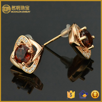 925 Silver stud earrings with red garnet and cubic zirconia