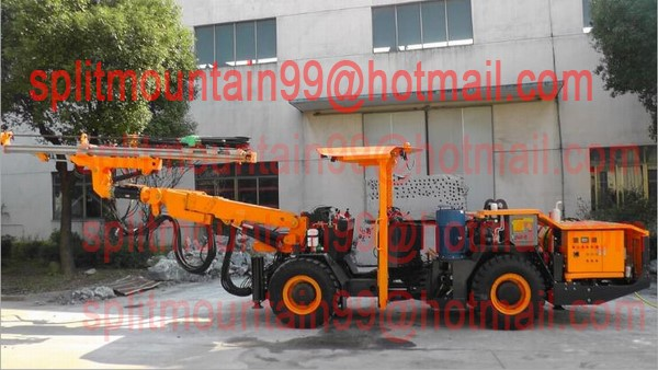 Four wheel drive jumbo hydraulic drilling rig 360-degree rotation and full automatic parallelism feed