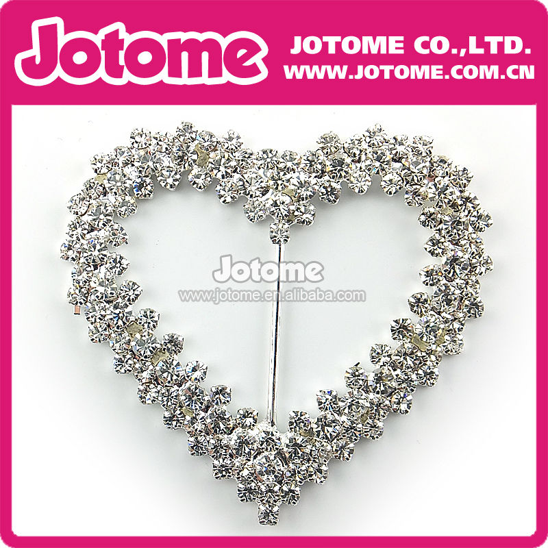 heart shape belt buckle with rhinestones