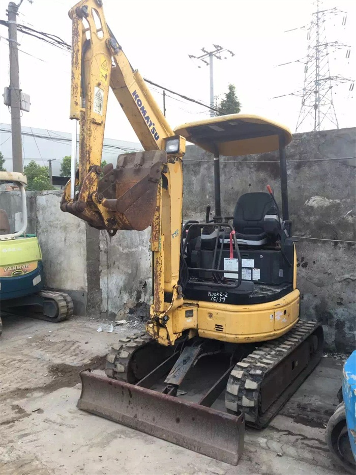 Absolute Cheap Japanese PC20 Small Digger Used Mini Crawler Excavator for Sale