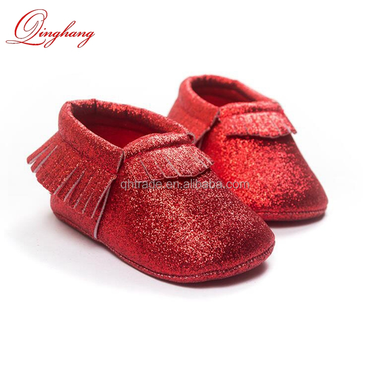 Super Cute 4 Colors 3 sizes 0-18 Months Baby Crib Shoes Soft Leather Scrub Tassel Glitter Moccasins for Christmas