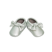 Fashion baby gifts soft sole baby walkers PU baby moccasins wholesale china kids shoes cheap item to sale