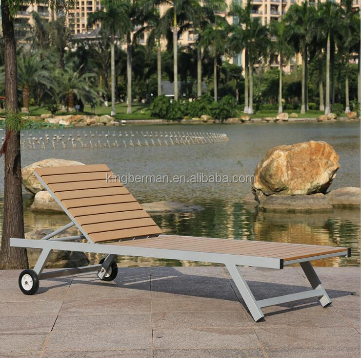 High Quality Outdoor Lounge Chair WPC beach Sun Lounge Polywood Chaise Lounge with Wheel