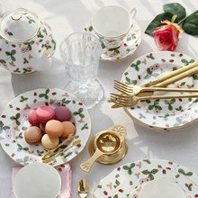 Fine bone china luxury 15pcs 17pcs coffee tea set European style coffee cup table set with golden line