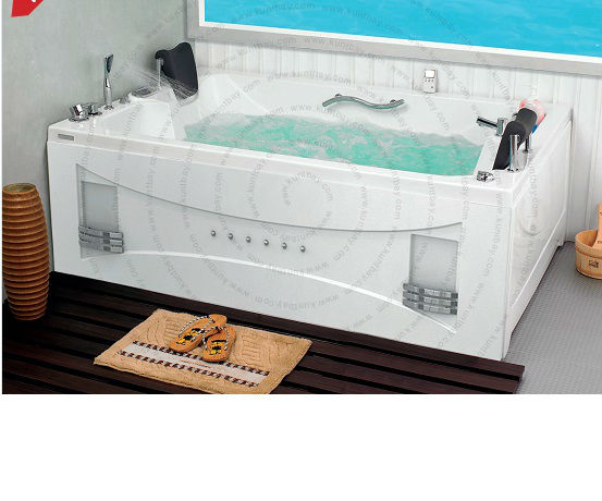 Bathtub and jacuzzi