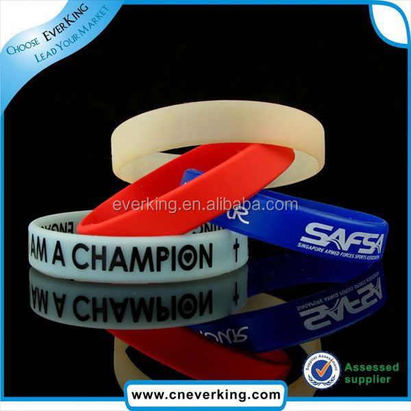 Fashion charm silicone wristband machine wholesale