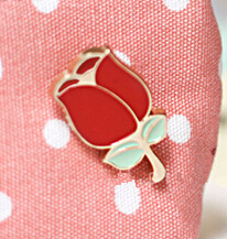 X012   Cute Rose Flower Heart Dress Brooch Pins,Fashion Jewelry Wholesale