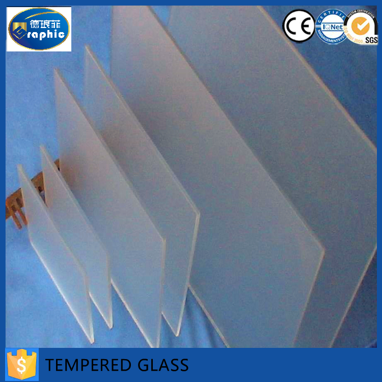 Customized size solar panel low iron tempered glass in alibaba