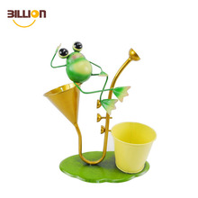 Home decoration green frog garden planters metal plant pot