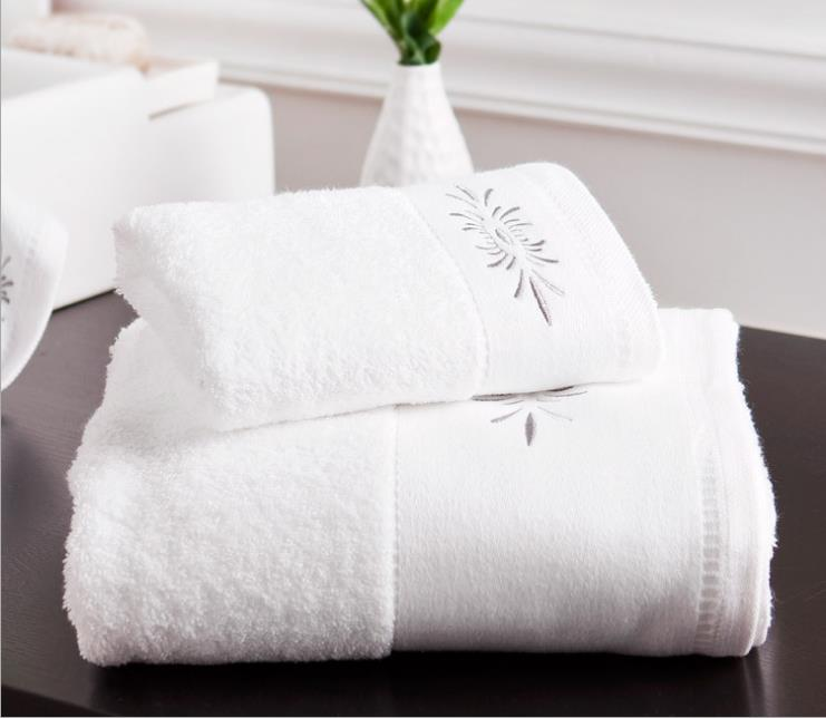 Wholesale Small Order Stock High quality White <strong>cotton</strong> thickened absorbent skin care towel for bathroom