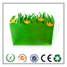 Wholesale alibaba best selling felt easter gift basket with grass design