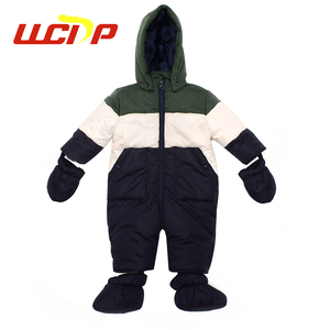 Hot sale high quality cheap winter soft comfortable thick boys suits clothes baby romper set