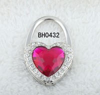 New product 2015 fashion pink crystal handbag holder heart shape bag holder shopping bag holder