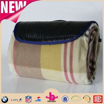 Polar fleece waterproof picnic blanket by china supplier/ outdoor blanket with handle strap