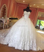 Luxurious crystal Flower ball gown ivory wedding dress with 1.5meters long tail from Dubai Wedding gown