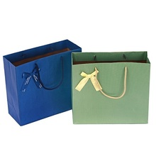 Fashion design different style shopping paper bag with good quality