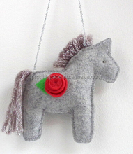 2017 new design hot sales China cheap product used kids/baby horse crafts handmade fabric wholesale felt hanging car soft toys