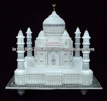 LOVELY VINTAGE MINIATURE MARBLE MODEL TAJ MAHAL IN LINED BOX