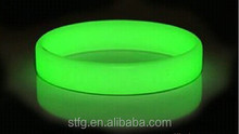 fashionable glow in the dark cool reflective wristbands