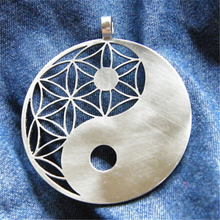 Yiwu Aceon Stainless Steel Sacred Geometry Jewelry Laser Cut Yin Yang Pendant