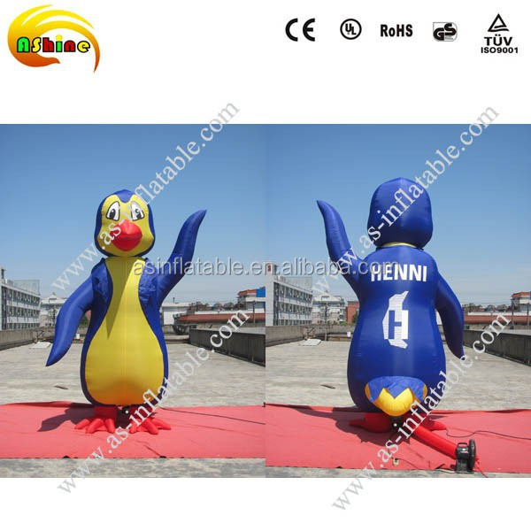 Hot sale customized penguin inflatable model