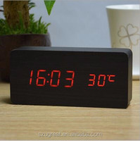 Lowest Price High Quality Wood square 13 colors selectable LED Alarm Digital Desk Clock Wooden