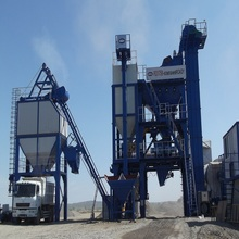 mobile asphalt heat and produce plant with asphalt storage tank
