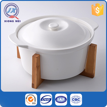 New design white porcelain food container insulated casserole with bamboo stand