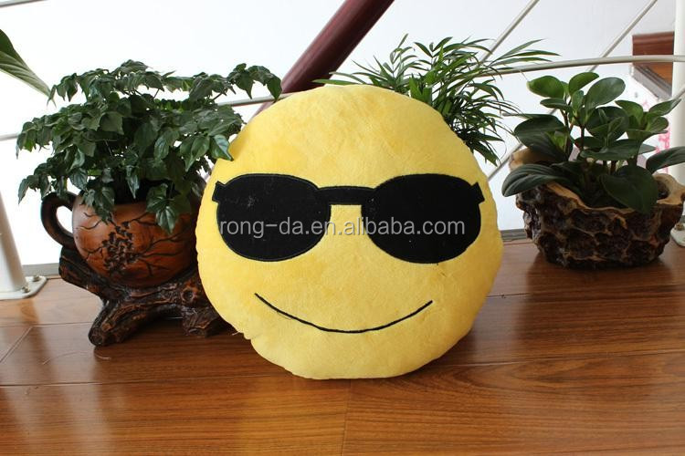 Hot Sale Wholesale High Quality Soft Plush Emoji Pillow
