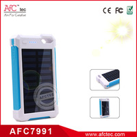 2015 new products wholesale water proof 5v 2.1a solar power bank charger with led torch