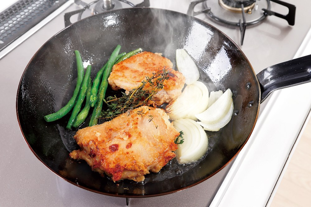 Chicken is delicious burning frying pan of 32cm made in Japan