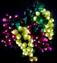 2014 hot sale holiday decorative led realistic grape string light wholesale in china