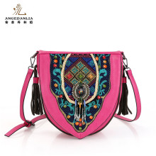 2016 fancy women heart shaped pink color ethnic lady clutch bag
