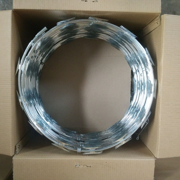 Hot dipped galvanized razor barbed wire CBT-60 CBT-65 , 450mm ( Anping factory, since 1993 )