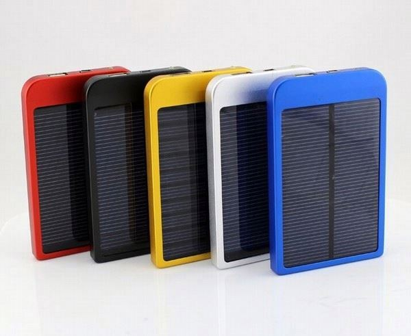 AWC610 Portable solar charger 2600mah polymer battery metal power bank manufacture solar charger for iphone