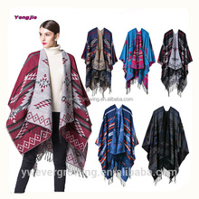 Winter New Arrival Fashion Thick Geometric Rhombic Oversize Ladies Winter Poncho Wholesale