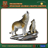 Custom decoration wild wolf wholesale handy polyresin animal figurines