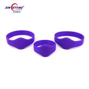 13.56MHZ Silicone RFID Wristbands For Spa/Fitness Center