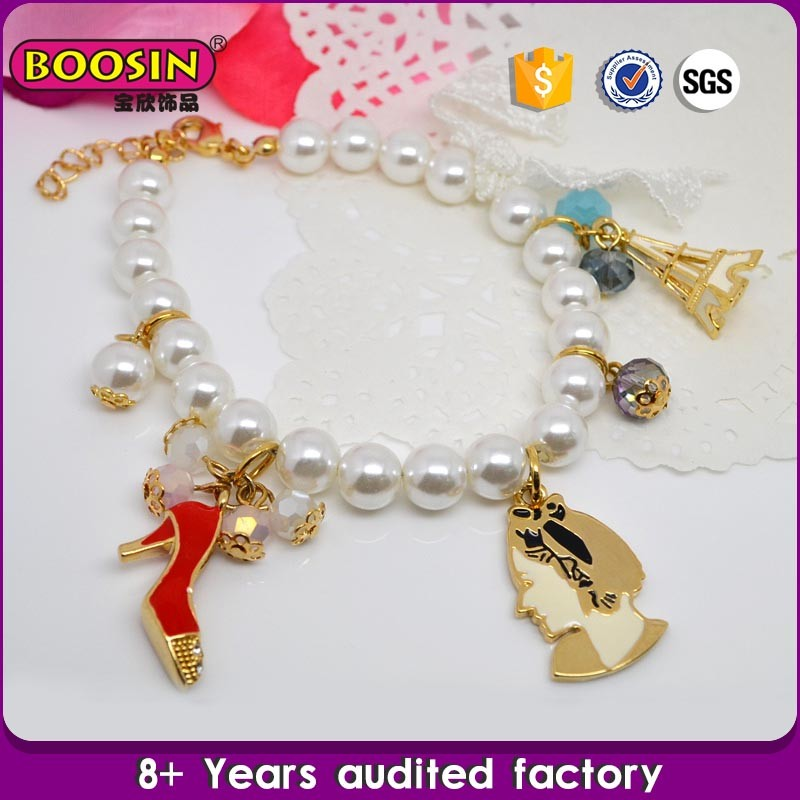 Fashional China Supplier Design white pearl bracelet with charm