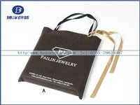 hand jewelry velvet bag with white logo