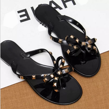 2018 latest Fashion india sexy girls photos ladies flat slide rivet woman flip flops slipper