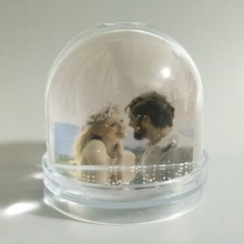 DIY Gifts Small order plastic photo snow globes for decoration souvenir gift