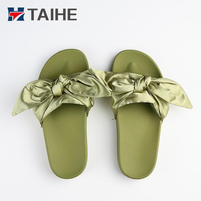 Good quality best sell flat bottom beach for girls slide sandals slippers