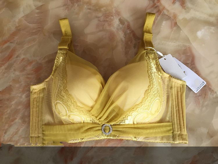 Triumph Bra For Sale, Genie Bra Padded Yoga Bra Tops