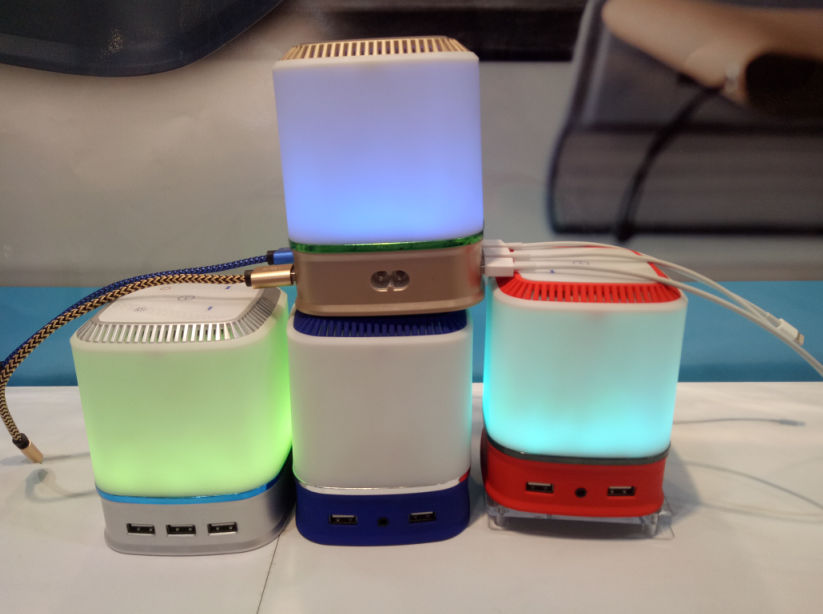 Night Light LED 5 Port USB Charger FM Color Loudspeakers Portable Box Subwoofer Support TF Wireless Bluetooth Speaker