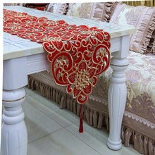 Newest selling excellent quality artistic table runner