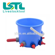 Animal plastic calf cattle feeding bucket with teats