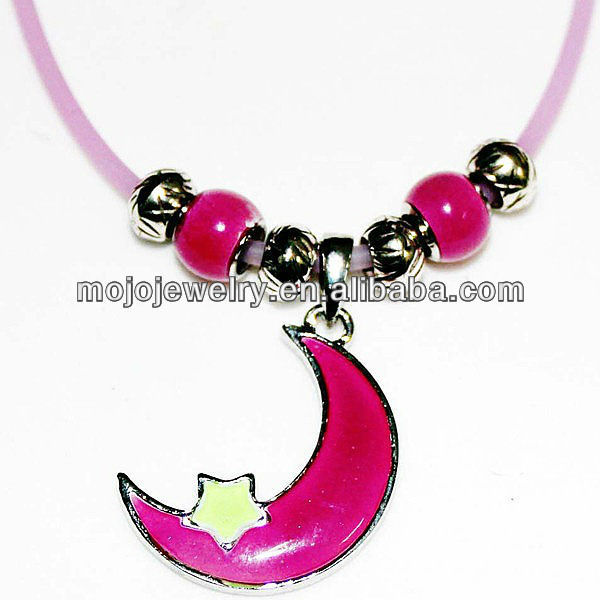Moon Shaped Popular UV Active Silicone Magnetic Glow in the Dark Necklace