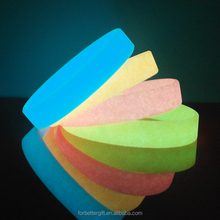Customized Blank Glow In The Dark Silicone Wristbands,Silicone Rubber Bracelets With Glowing Effect