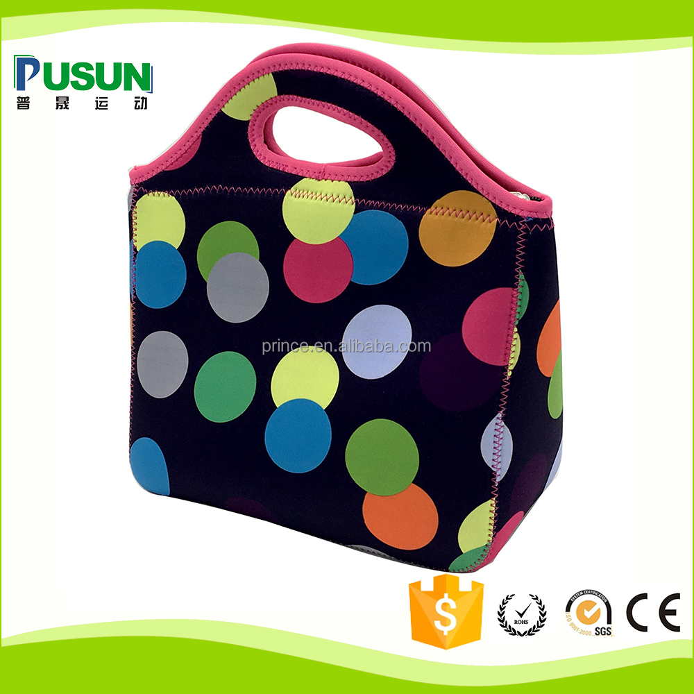 Insulated women lunch bag with zipper for closure